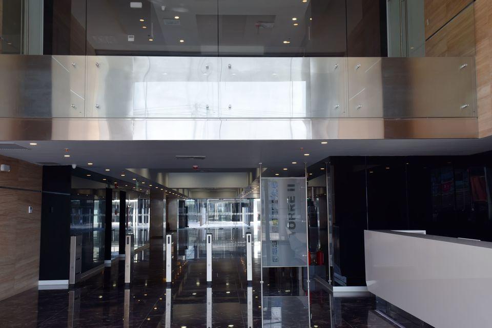 Venta de Oficina en Santiago De Surco, Lima con 3 baños
