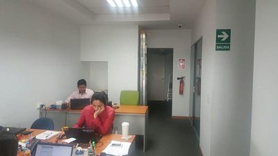 Venta de Oficina en Lima amoblado - con sala de reuniones