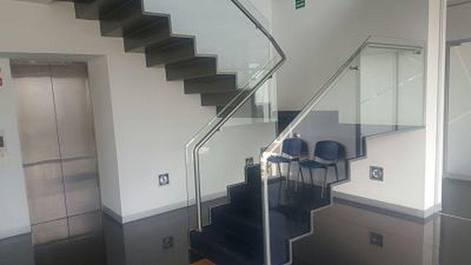 Venta de Oficina en Lima amoblado 480m2 area total - vista principal