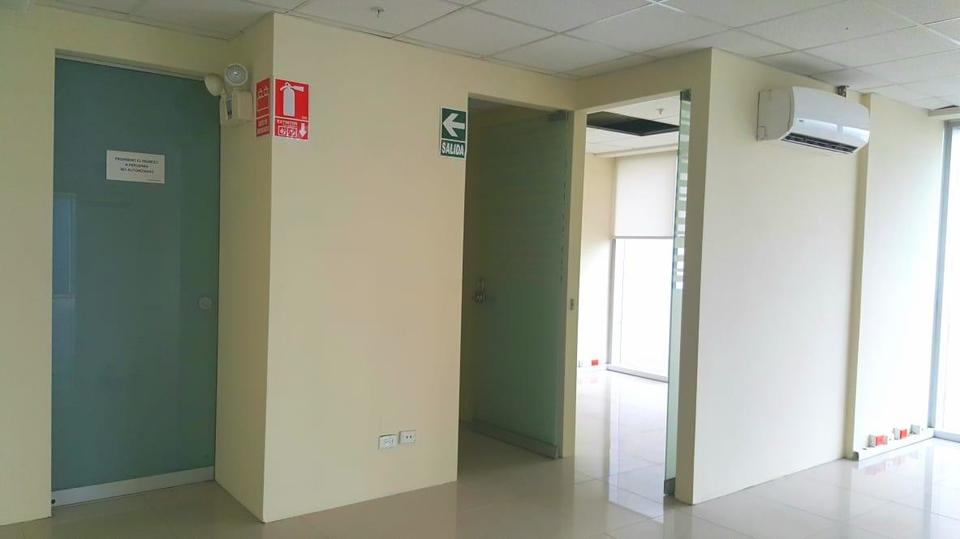 Alquiler de Oficina en Santiago De Surco, Lima - con vista urbano