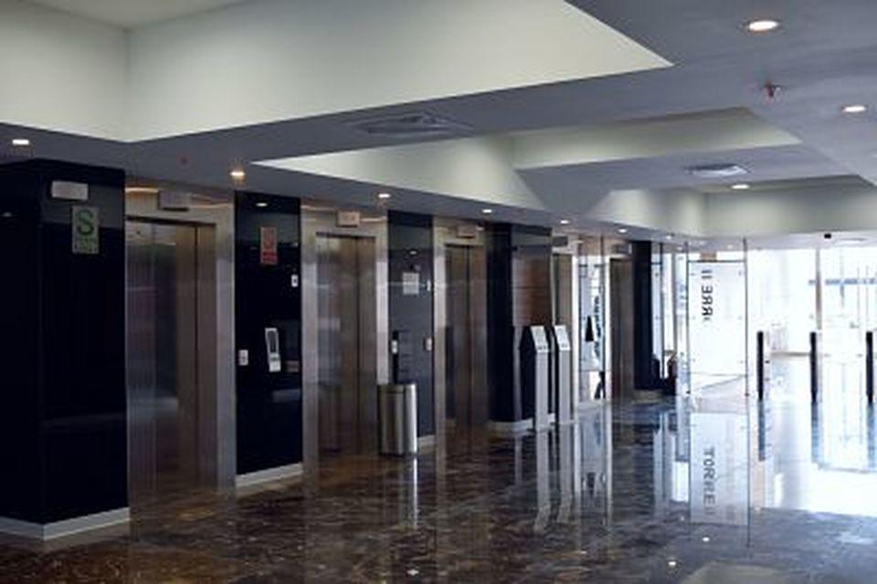 Venta de Oficina en Santiago De Surco, Lima - 275m2 area construida