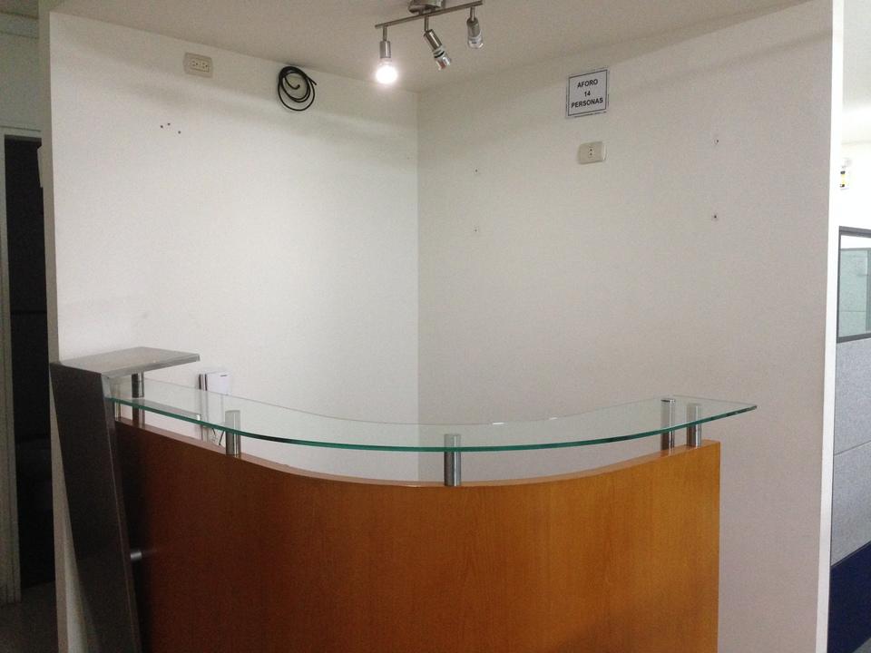 Alquiler de Oficina en San Isidro, Lima - amoblado