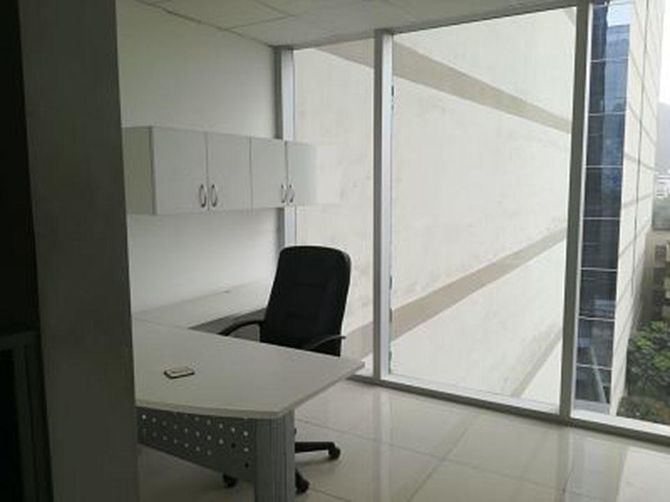 Alquiler de Oficina en Santiago De Surco, Lima - 233m2 area construida