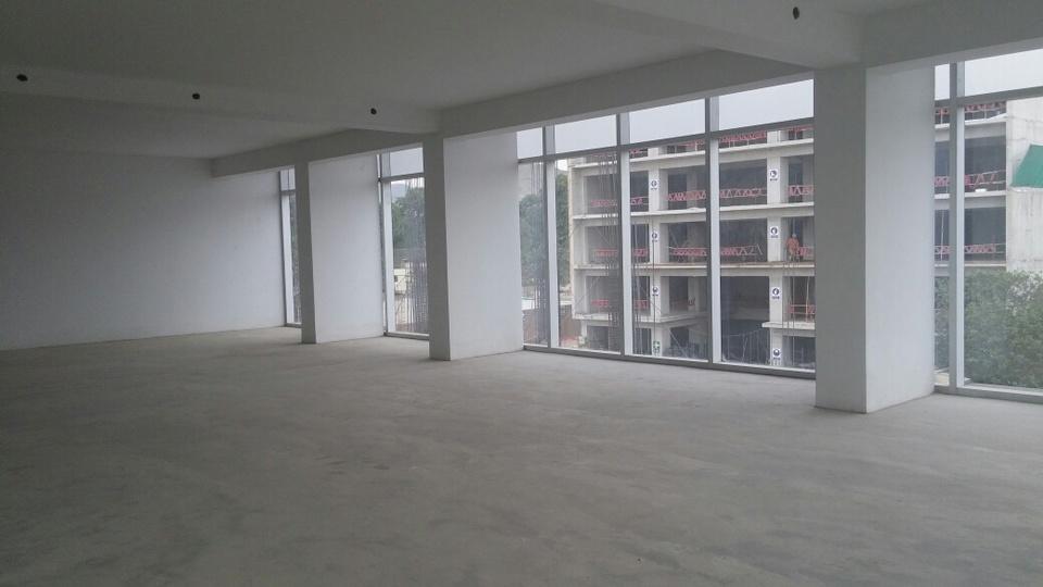 Venta de Oficina en Santiago De Surco, Lima con 3 baños - vista principal