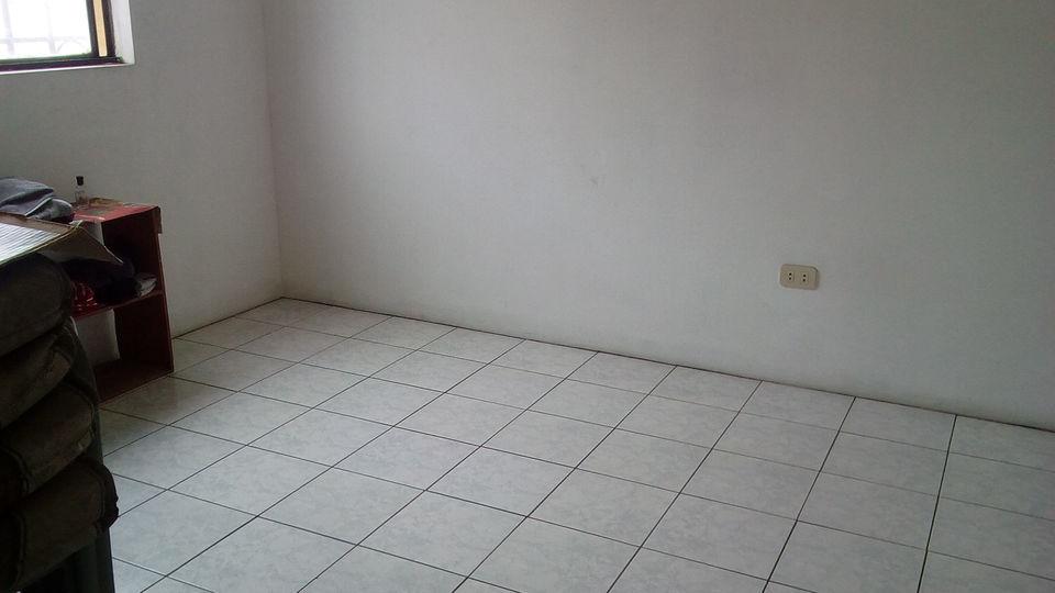 Venta de Departamento en Breña, Lima - en el cuarto piso