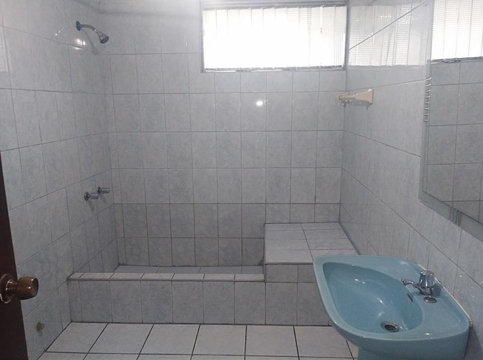 Alquiler de Casa en La Molina, Lima - con 3 estacionamiento