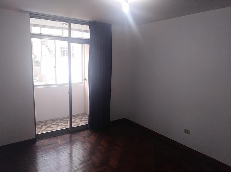 Alquiler de Casa en La Molina, Lima - 237m2 area total