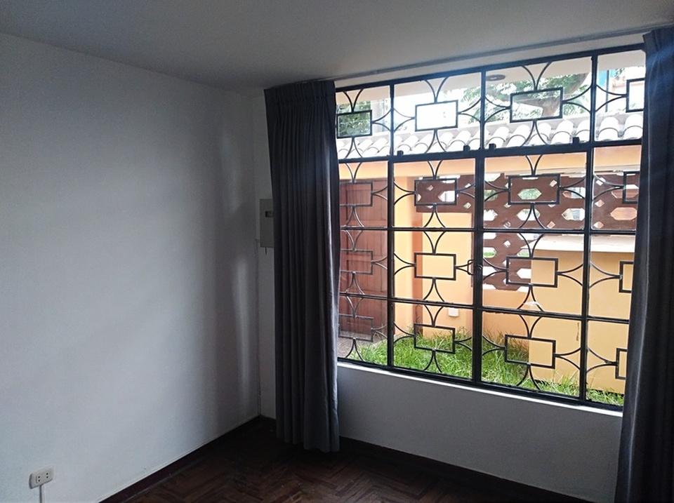 Alquiler de Casa en La Molina, Lima - con 1 estudio