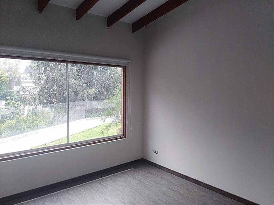 Alquiler de Casa en La Molina, Lima - con lavandería