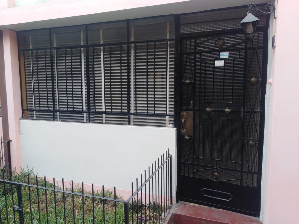 Venta de Casa en Breña, Lima - con 3 baños