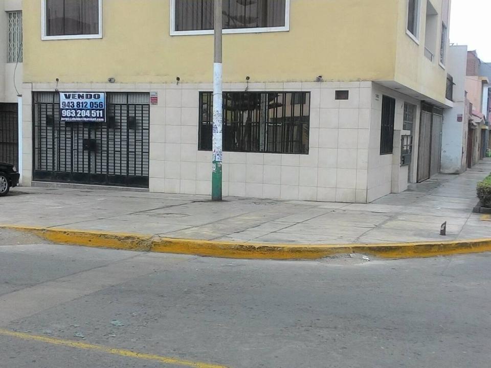Venta de Local en La Perla, Callao con 2 baños