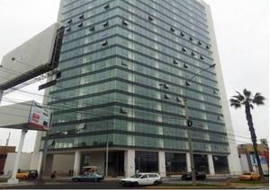 Alquiler de Oficina en Surquillo, Lima con 3 baños - vista principal