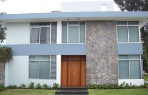 Venta de Casa en Miraflores, Lima 444m2 area total - vista principal