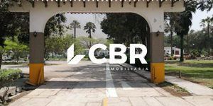 Venta de Terreno en Lima 200m2 area total 20 metros fondo - vista principal