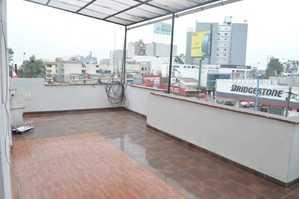 Alquiler de Local en Santiago De Surco, Lima con 4 baños - vista principal