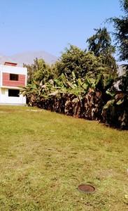 Venta de Casa en Lima 1520m2 area total con jardín - vista principal