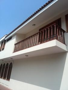 Venta de Casa en Santiago De Surco, Lima con 4 dormitorios - vista principal