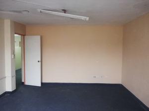 Alquiler de Oficina en Surquillo, Lima con 2 baños - vista principal